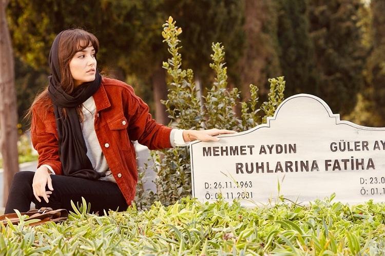 Azize mezarlıkta